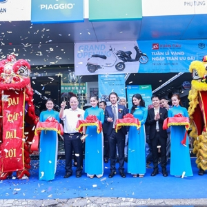 Piaggio Xuan Cau opened the 9th showroom in Ho Chi Minh City